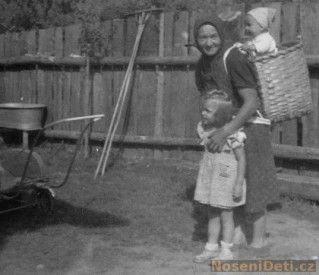 Czech Babywearing Basket circa 1920